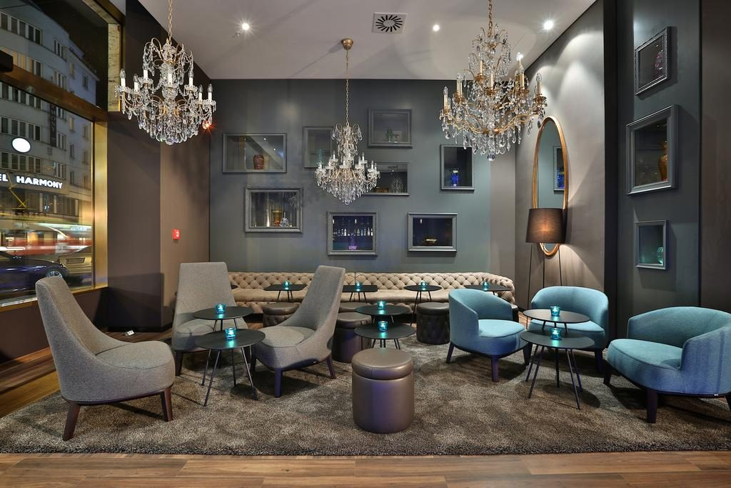 Looking for the best hotels in Prague? Check out Motel One Prague!