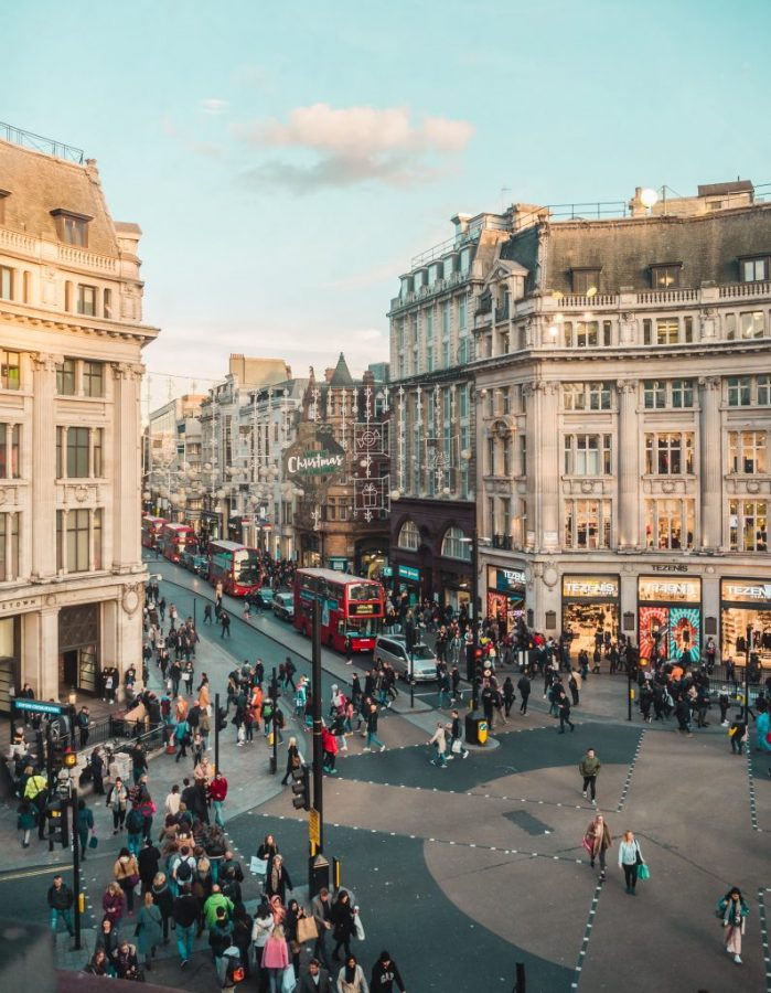 Looking for the most instagrammable places in London? Don't miss Oxford Street!