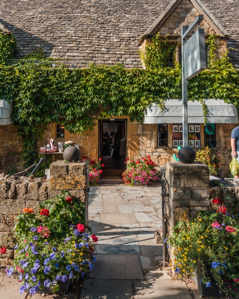 Broadway can be considered one of the prettiest Cotswolds villages