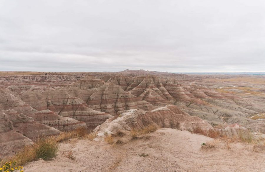The best route through the Badlands National Park passes through the beautiful Big Badlands Overlook