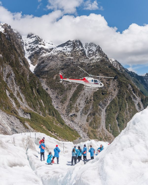The Franz Josef HeliHike should certainly be on your New Zealand bucket list! Definitely one of the best experiences in New Zealand South Island.
