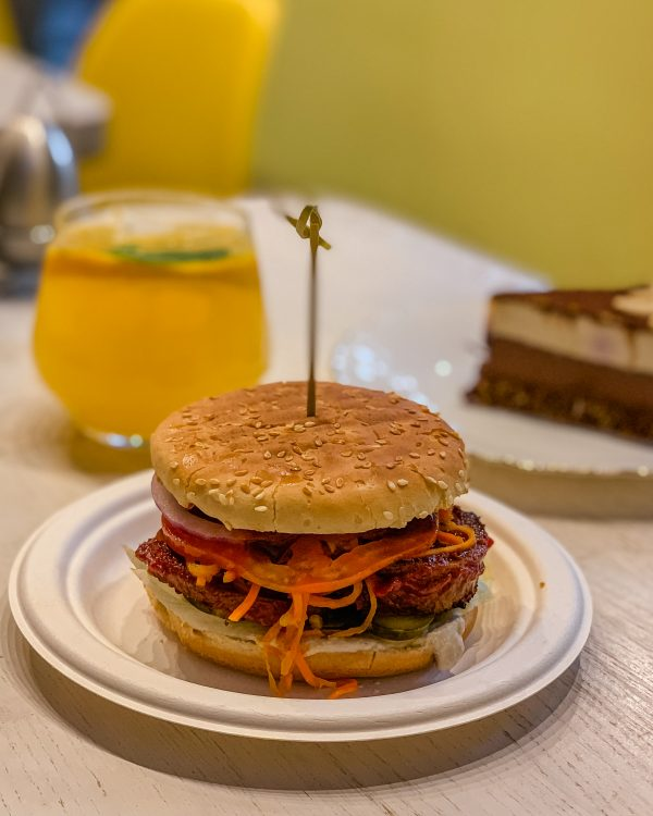 A reason to visit Minsk is definitely the food! Vegan food in Minsk is absolutely delicious and you can get some delicious burgers and cake