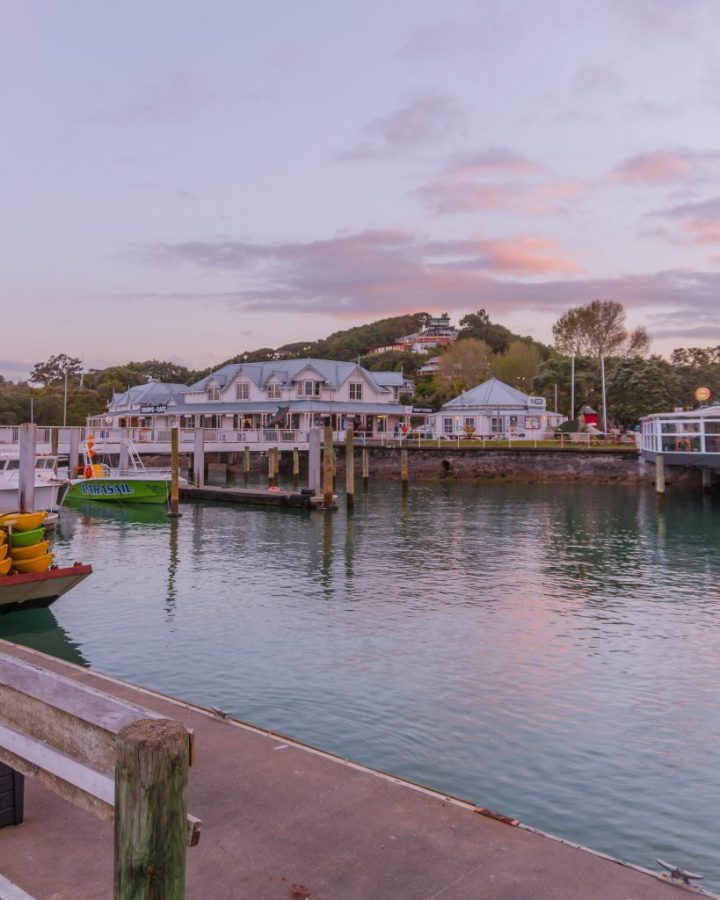 One of the best things to do in Paihia is to watch a sunset from the pier